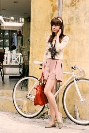 tie sweater - pink skirt