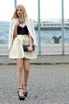 black patent leather Louis Vuitton bag - cream H&M jacket