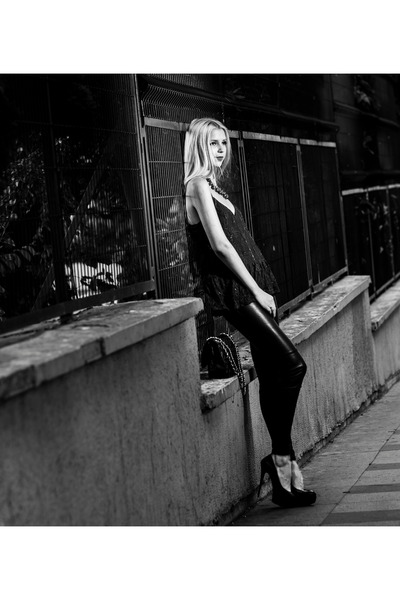 black leather H&M leggings - black leather Chanel bag - crimson H&M necklace