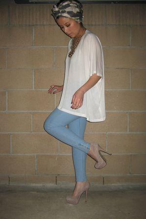 blue H&M leggings - white H&M top - beige Bakers shoes