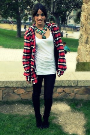 white Urban t-shirt - black Zara boots - red Lee shirt - black Zara bag