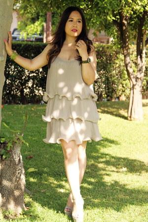 beige ruffles H&M dress - silver suede steve heels