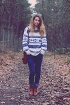 blue H&M jeans - white vintage jumper