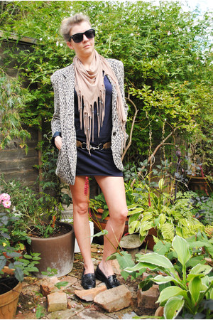 gray Once Removed Vintage jacket - navy American Apparel dress