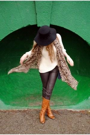 tawny barratts boots - black Topshop hat - cream riveri island sweater - camel l