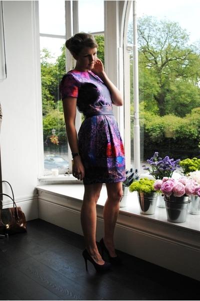 Oasis top - Oasis skirt - suede Steve Madden pumps