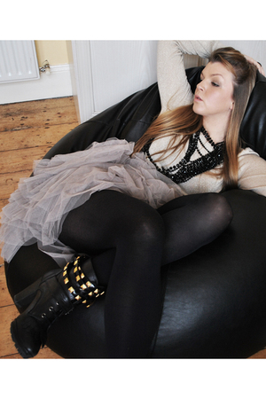 gold Dorothy Perkins sweater - beige Awear skirt - black Schuh boots - black Pen