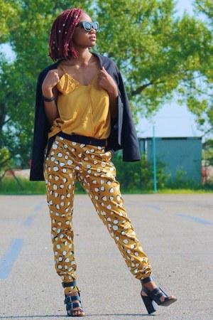 mustard River Island pants