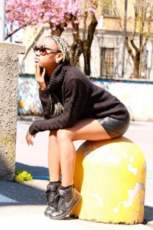 black H&M skirt - black sweater - black River Island sunglasses