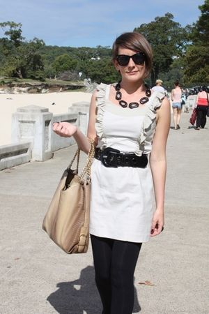 gray Pilgrim dress - black belt - black Madison magazine sunglasses - brown Dont