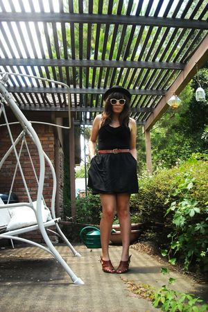 black Loft skirt - brown gianni bini - brown vintage belt - black Target hat - w