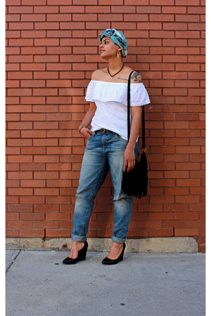 Target jeans - brandy melville bag - Old Navy top - Urban Outfitters belt