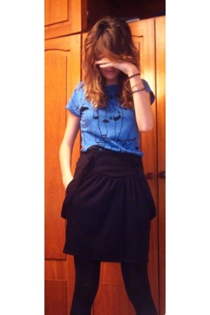 Urban Outfitters skirt - Zara t-shirt