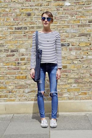 AG Jeans jeans - APC bag - Kurt Geiger sunglasses - Vans sneakers