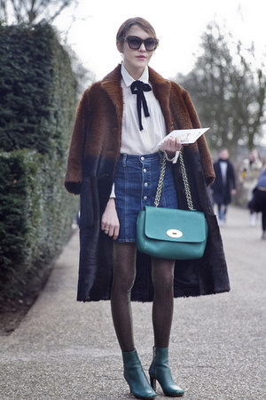 Mulberry boots - Burberry coat - Mulberry bag - Maje blouse - AG Jeans skirt