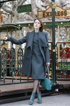 Mulberry boots - Mulberry dress - Mulberry coat - Mulberry bag
