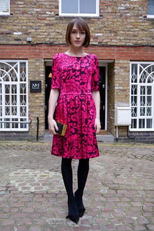 Anne Bowes Jewellery necklace - Temperley London dress - BoBelle London bag