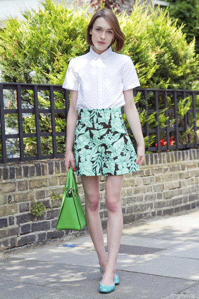 Gap shirt - Michael Kors bag - Zara shorts - French Sole pumps