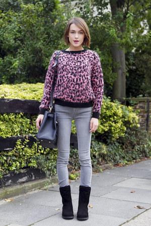 Ugg boots - IDA jeans - Mulberry bag - essentiel Antwerp jumper