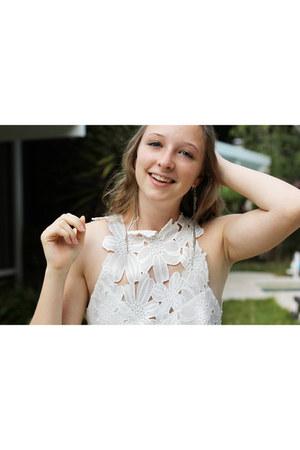 white free people dress - brown heels - silver earrings
