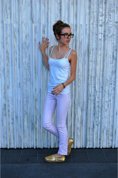 Hermes bracelet - J Brand jeans - Forever 21 top - Ray Ban glasses - TOMS flats