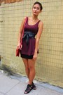 Maroon-dress-red-bag-black-h-m-skirt-black-wedges-black-leather-tie-belt