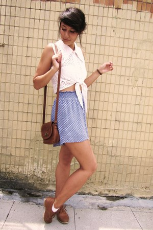 blue polka dot shorts - brown brogues shoes - brown Primark bag