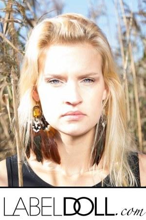 dark brown earrings