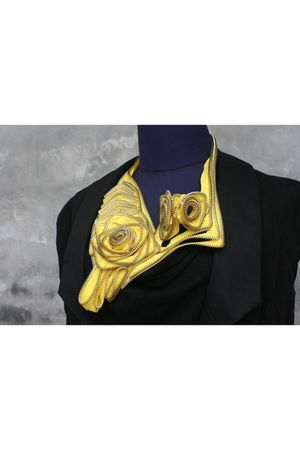 yellow Labyrinth accessories