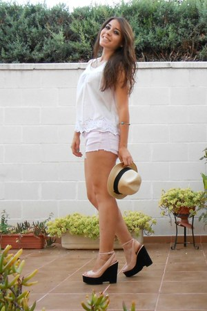 Tiger hat - pull&bear shorts - Zara wedges - H&M blouse