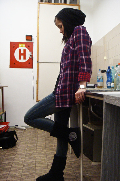 New Yorker shirt - Zara jeans - black boots - Tissot watch accessories