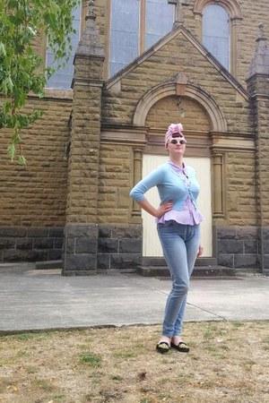 sky blue Ziggy jeans - pink Dangerfield hat