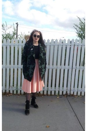 teal cacoon brocade Cue coat - pink silk Review skirt - black knit Glassons vest