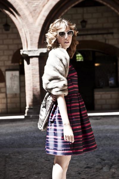blue Max & Co dress - white Italia Indipendent sunglasses