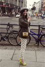Primark-shoes-thrifted-vintage-jacket-urban-outfitters-bag-zara-pants