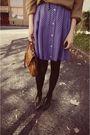 Blue-skirt-black-boots-brown-bag-beige-lacoste-sweater