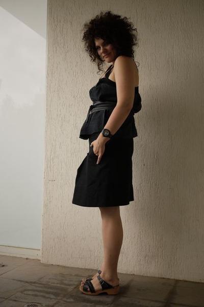 black silk Country Road top - black portmans skirt - black Funkis clogs - gold d