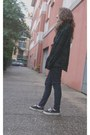 Black-era-vans-shoes-navy-skinny-pull-bear-jeans