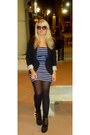 Black-studded-boots-shoes-navy-stripe-dress-stripe-dress-forever-21-dress