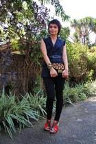 black Zara leggings - black Tango blazer - gold Zara bag