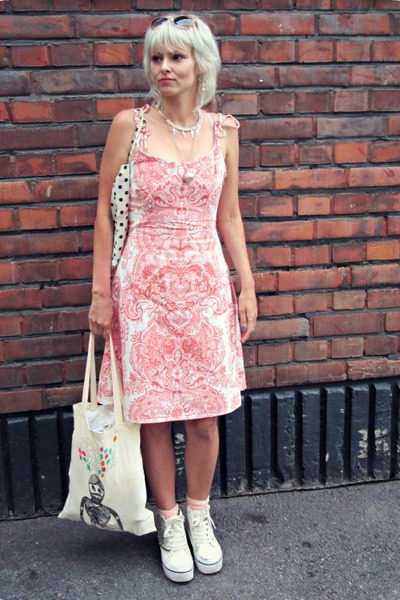 ivory Tiger bag - white ravijour bag - coral vintage dress