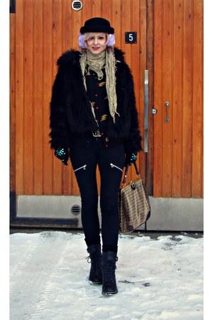 black Bubbleroom jeans - black H&M hat - black REPLAY jacket