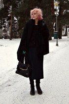 black faux fur vintage coat - black Colza shirt - black wool Muji scarf