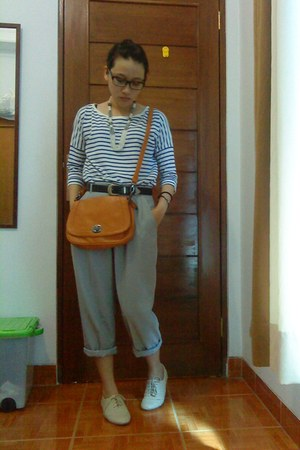 periwinkle thrift pants - orange the little things she needs bag