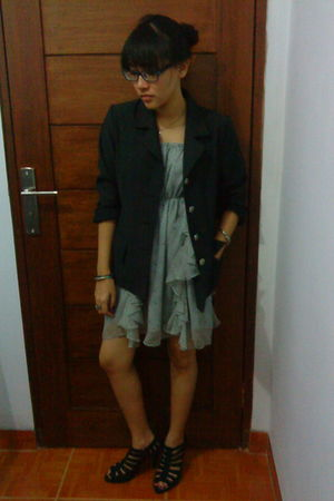 gray TheoryX dress - black moms blazer - black online shoes