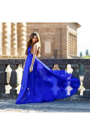 Raffaela Moraru dress