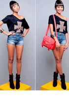 red vintage bag bag - sky blue shorts jeans - black cross shirt