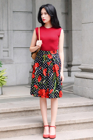 black floral Larmoni skirt
