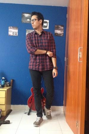 crimson Cubus shirt - black pull&bear jeans - light brown H&M sneakers