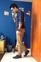 navy plaid shirt Zara shirt - green camo Carlys socks